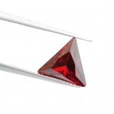 Треугольник Цирконий Гранат  3 х 3 мм